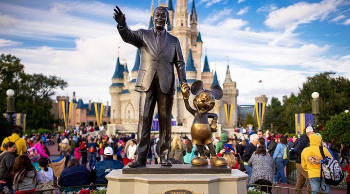 Estatua Walt Disney y Mickey Mouse