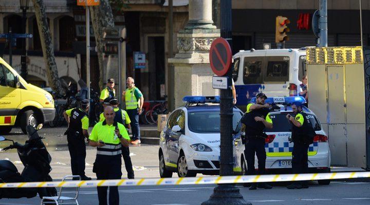 Despliegue policial en Plaza Catalunya