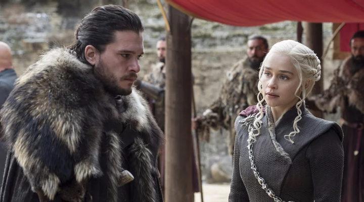 Jon Snow y Daenerys en 'Juego de Tronos'