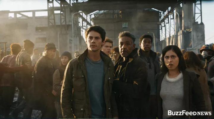Dylan O'Brien junto al resto de personajes de 'El corredor del laberinto: las pruebas'