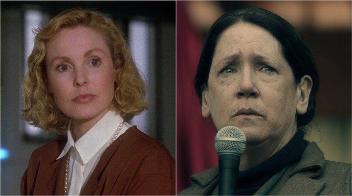 A la izquierda, la Tía Lydia de la película; a la derecha, Ann Dowd en el papel de Tía Lydia en la serie