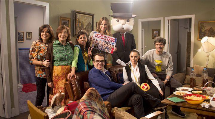 'Los actores lo han celebrado con una foto con el mítico señor Monopoly'