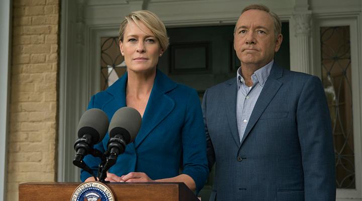 Kevin Spacey y Robin Wright en un fotograma de la serie