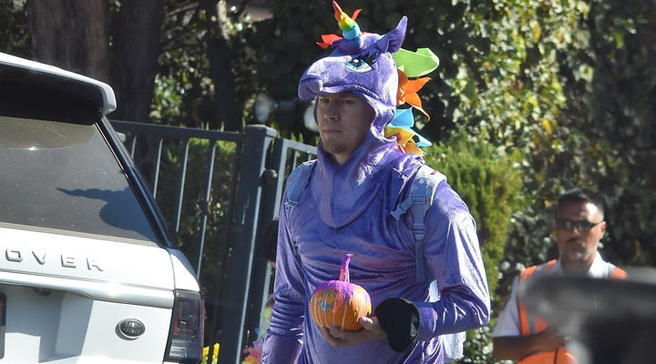 Channing Tatum disfrazdo de unicornio en Halloween