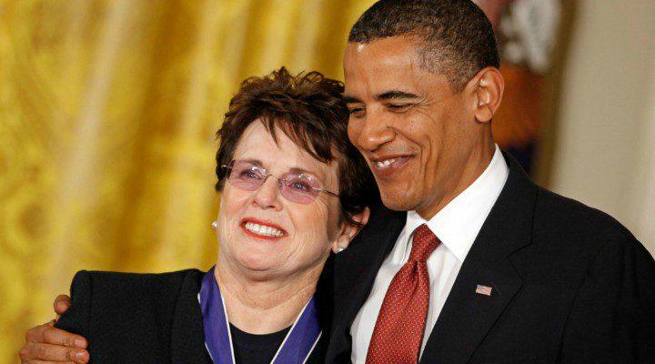 Billie Jean King recogiendo la Medalla presidencial de la libertad en 2009, otorgada por el aquel entonces presidente Barack Obama