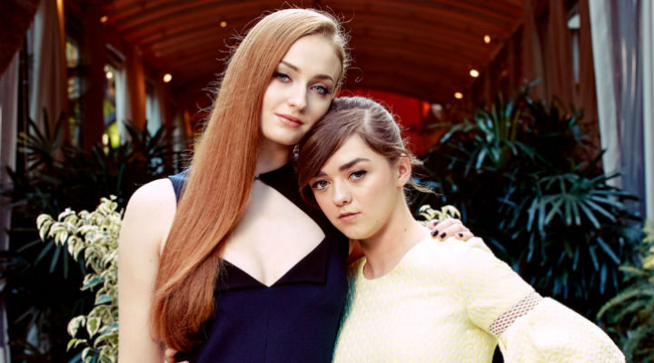 Sophie Turner y Maisie Williams