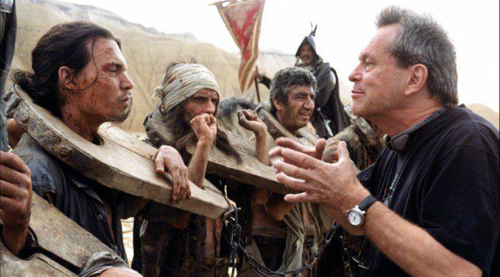 Terry Gilliam dirigiendo a Johnny Depp en el inicio de la producción de 'El hombre que mató a Don Quijote'