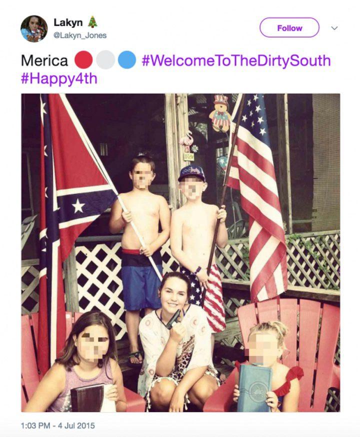 'Una foto en el twitter de la hermana de Keaton Jones en la que el joven posa con la bandera confederada'