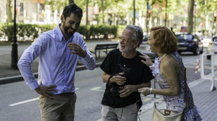 Paco León, Fernando Colomo y Carmen Machi durante el rodaje de 'La Tribu'