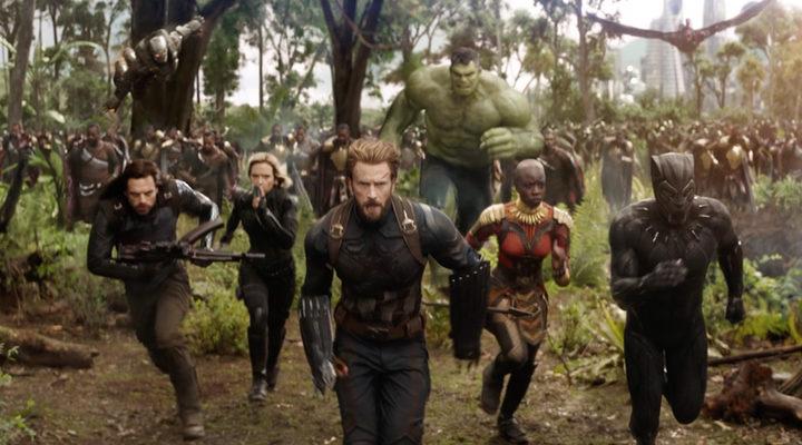 Los Vengadores corriendo a la batalla