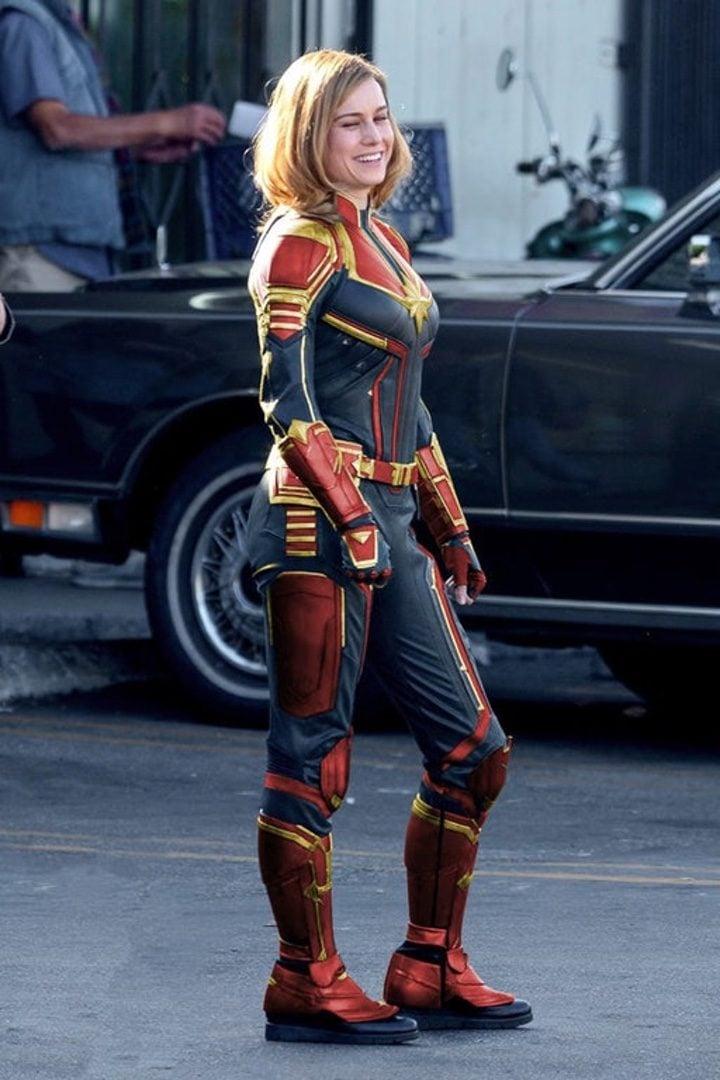 Montaje del traje de Carol Danvers