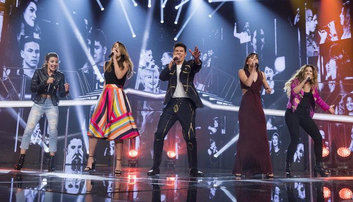Los finalistas cantando 'Camina'
