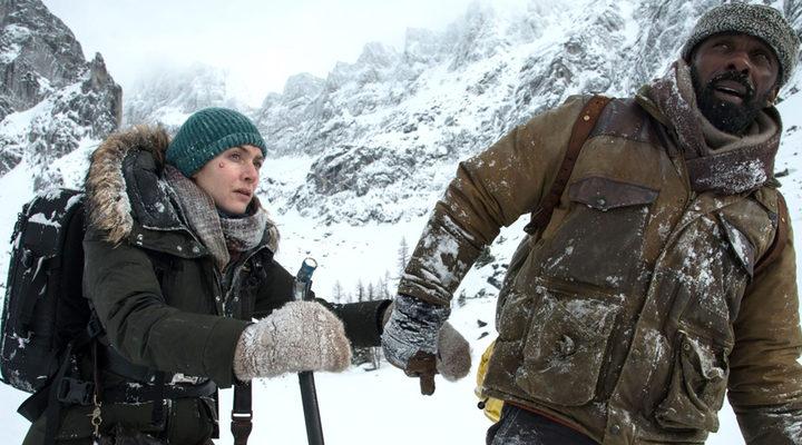 Kate Winslet e Idris Elba en 'La montaña entre nosotros'