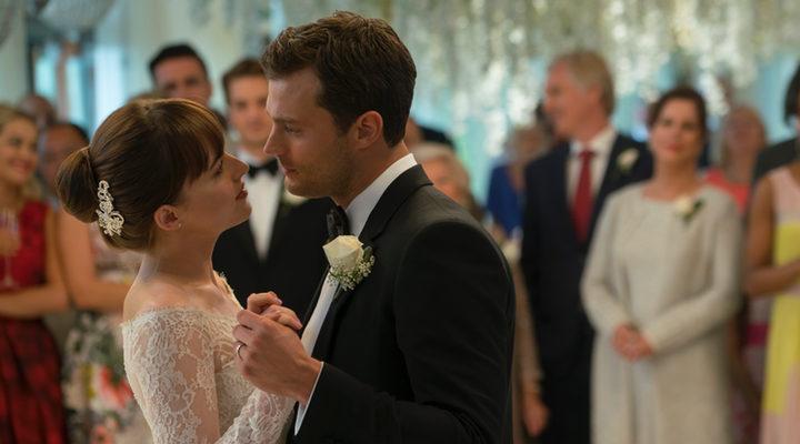 Christian Grey y Anastasia Steele en su boda