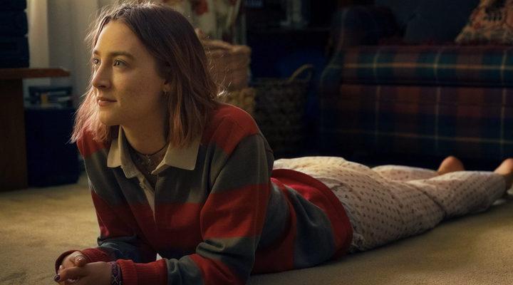 'Saoirse Ronan y Timothée Chalamet protagonizan este clip exclusivo de 'Lady Bird''
