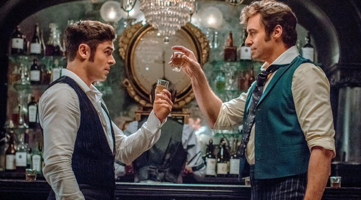 Zac Efron y Hugh Jackman en 'El gran showman'