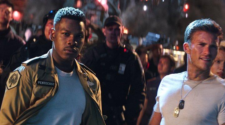 John Boyega y Scott Eastwood en 'Pacific Rim: Insurreción'