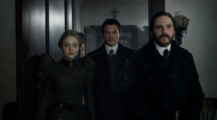 Dakota Fanning, Daniel Brühl y Luke Evans en 'El alienista'