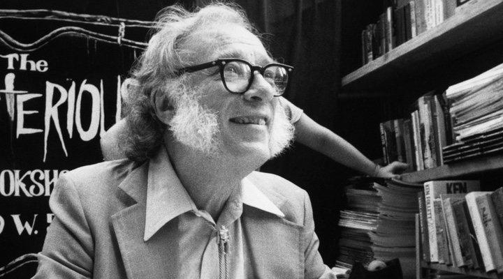 e55b3167904 Aunque la saga de Asimov fue originalmente publicada como serie de relatos  cortos por Astounding Magazine en 1942, abarca más de una decena de libros,  ...