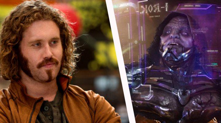 A la izquierda, T.J. Miller en 'Silicon Valley' y a la derecha, en 'Ready Player One'