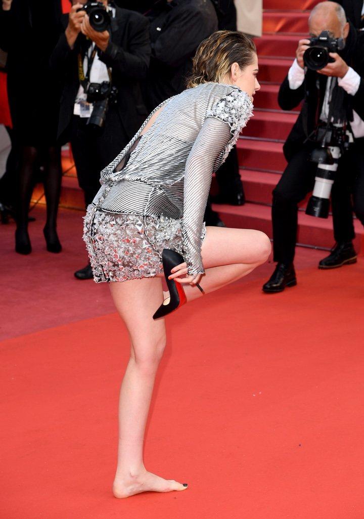 Kristen Stewart descalza Festival de Cannes 2018