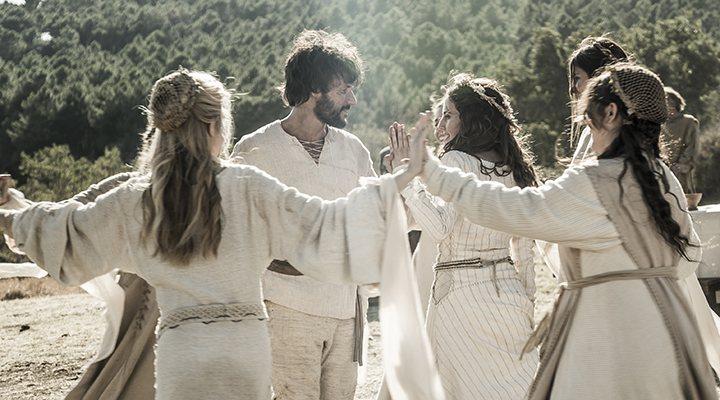 'Bernat y Francesca bailan en 'La catedral del mar''