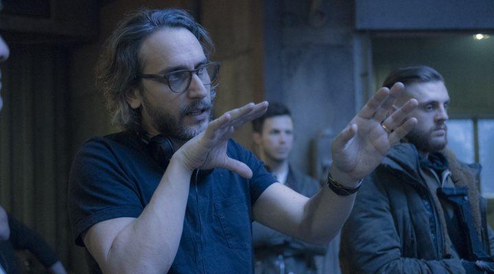 Fede Álvarez dirigiendo 'Lo que no te mata te hace más fuerte'