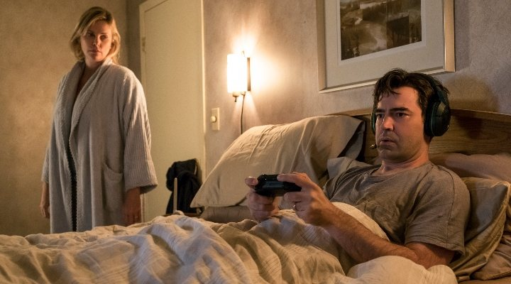 Charlize Theron y Ron Livingston en 'Tully'
