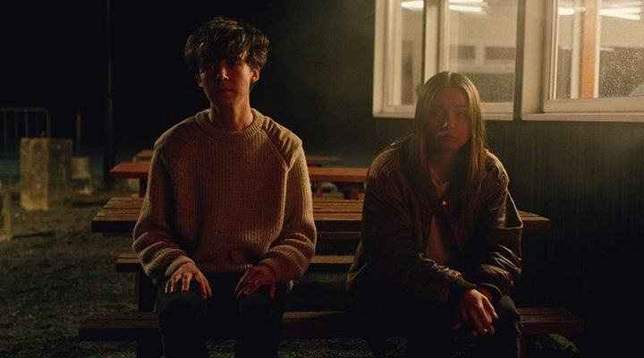 'Alex Lawther y Jessica Barden en The End of the F***ing World'