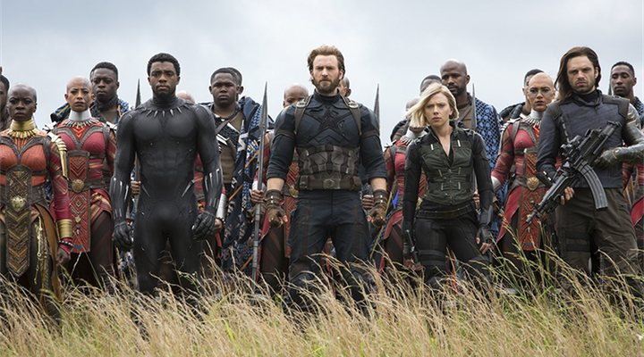 'Danai Gurira, Chadwick Boseman, Chris Evans, Elizabeth Olsen y Sebastian Stan en Vengadores: Infinity War'
