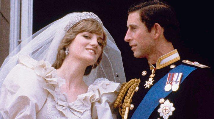 Diana y Carlos el día de su enlce