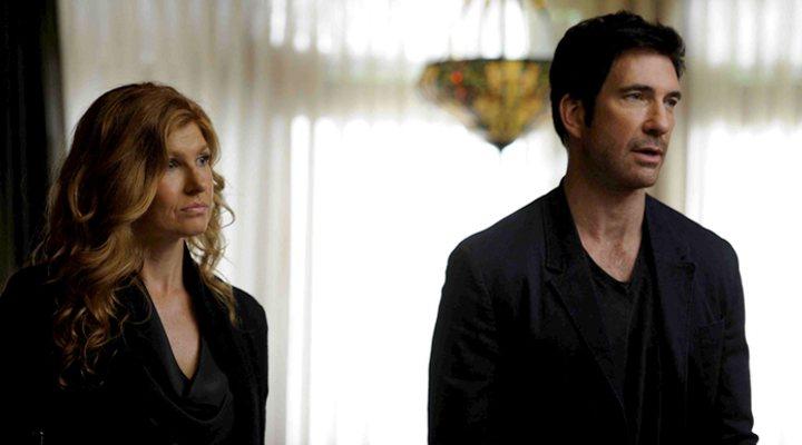 'Connie Britton y Dylan McDermott en American Horror Story: Murder House'