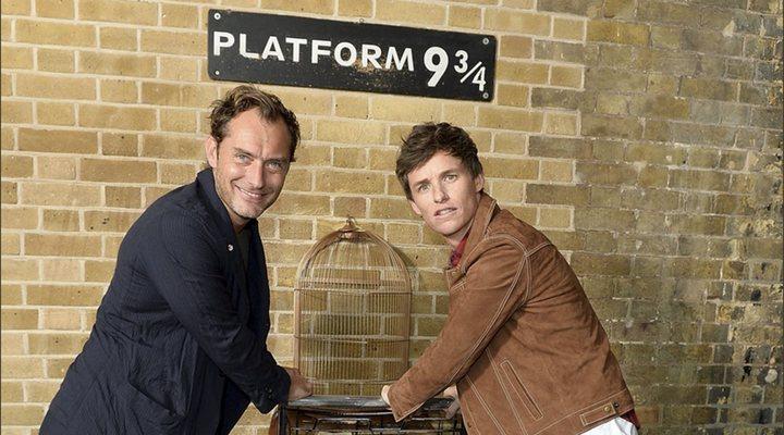 Eddie Redmayne y Jude Law celebran la vuelta a Hogwarts en King's Cross