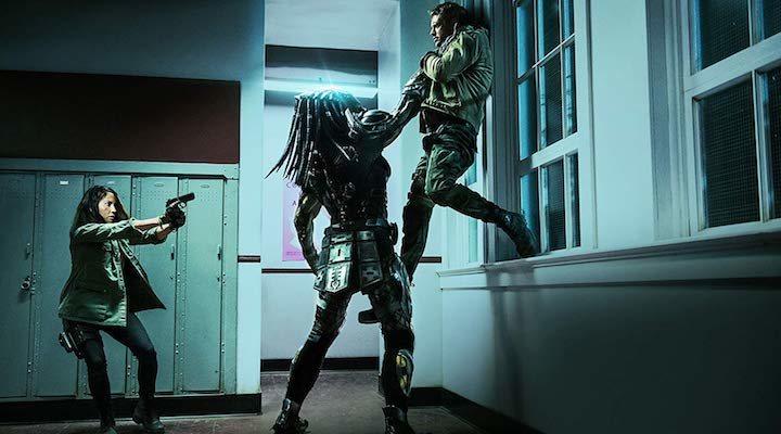Olivia Munn y Boyd Holbrook contra Predator