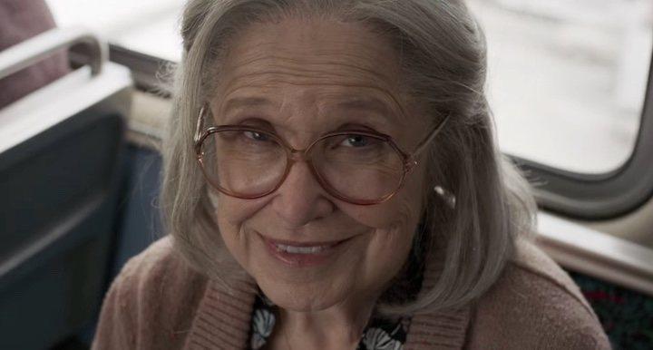 Un Skrull camuflado de adorable señora en 'Capitana Marvel'