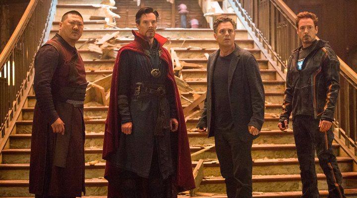 Benedict Wong, Benedict Cumberbatch, Mark Ruffalo y Robert Downey Jr. en 'Vengadores: Infinity War'