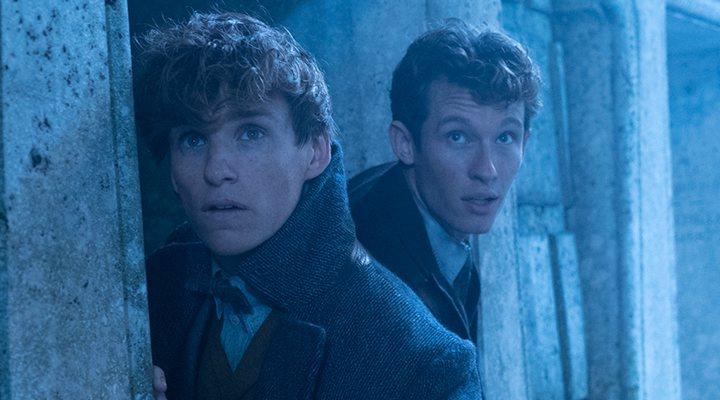 Newt y Theseus Scamander en 'Animales fantásticos: Los crímenes de Grindelwald'