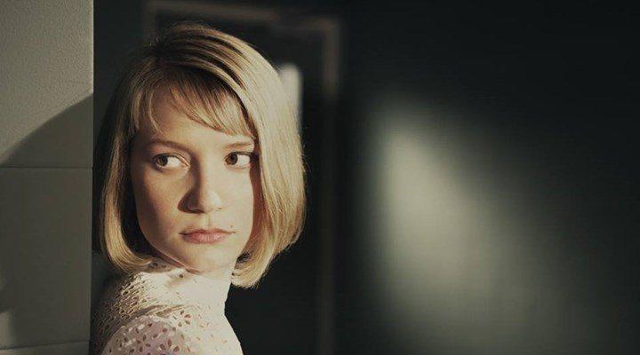 'Mia Wasikowska'