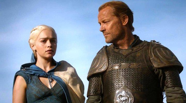 Emilia Clarke y Iain Glen en 'Juego de Tronos'