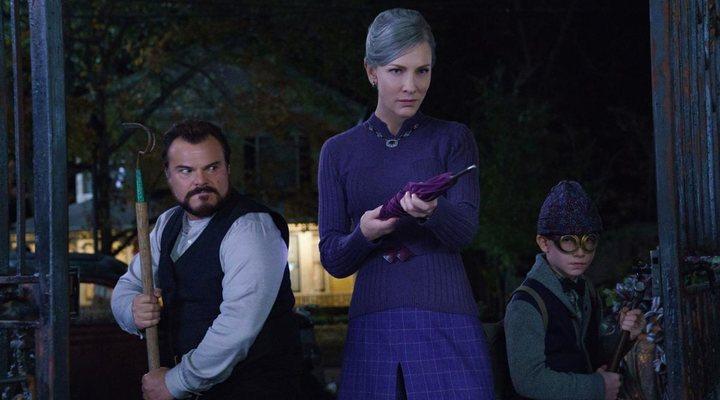 Cate Blanchett, Jack Black y Owen Vaccaro en 'La casa del reloj en la pared'