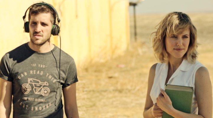 Imagen de Jota Linares y Natalia de Molina en el rodaje de 'Animales sin collar'