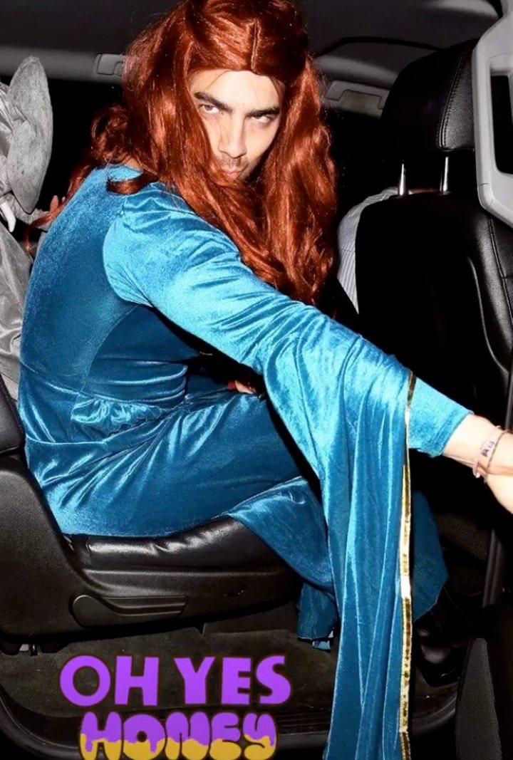 Imagen de Joe Jonas con un disfraz de Sansa Stark