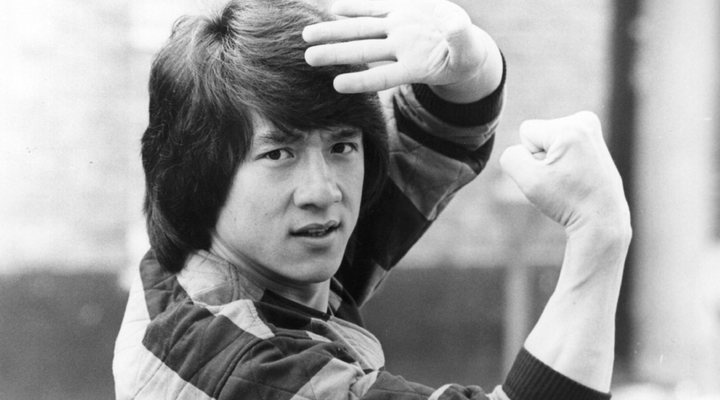 Jackie Chan pegaba hijo