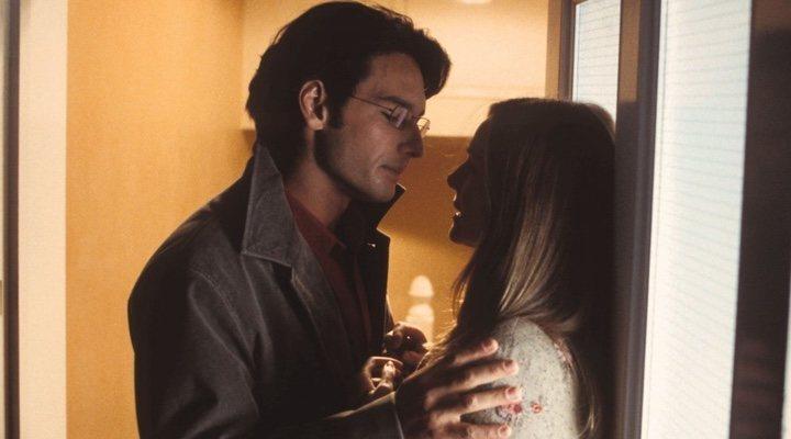 Laura Linney y Rodrigo Santoro en 'Love Actually'