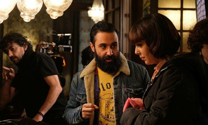 El director Aritz Moreno y Belén Cuesta en el rodaje