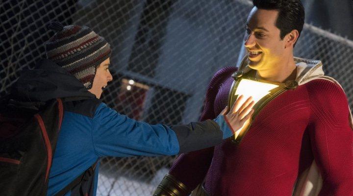 Asher Angel y Zachary Levi en '¡Shazam!'