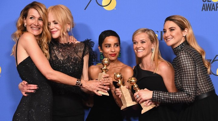 Laura Dern, Nicole Kidman, Zoë Kravitz, Reese Witherspoon y Shailene Woodley con su Globo de Oro por 'Big Little Lies'