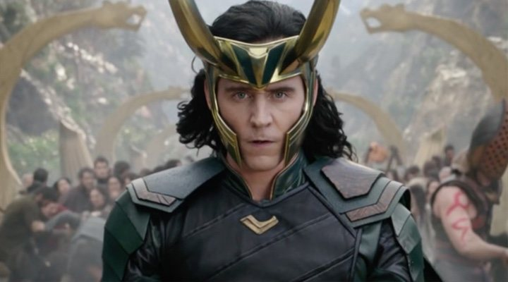 Tom Hiddlestone como Loki