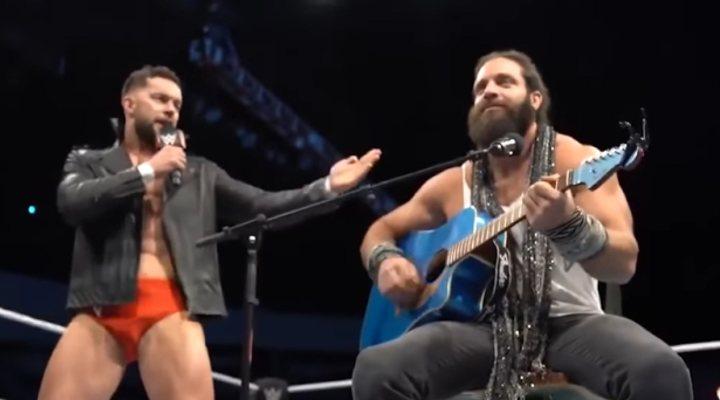 Finn Bálor y Elias