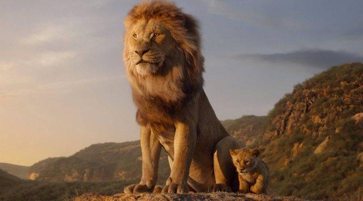 Simba y Mufasa en el remake de 'El Rey León'